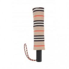 [해외]21SS[버버리]ICON STRIPE FOLDING UMBRELLA _ 8035652 _ Beige/Black/Red
